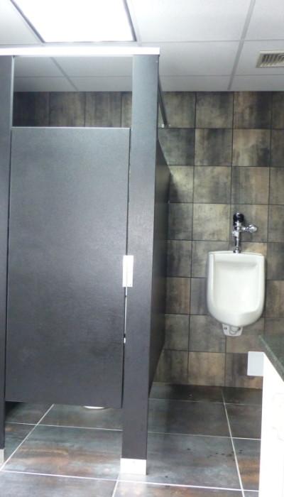 Mavi New York Floor Anchored Headrail Solid Plastic Hdpe